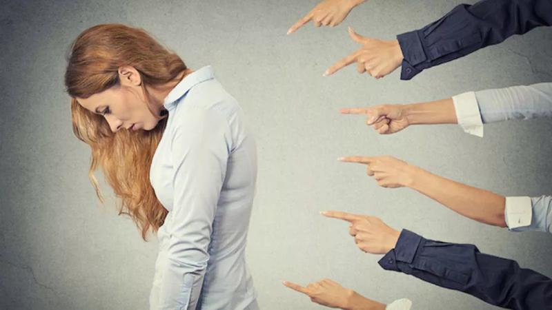 Токсичное мышление портит отношения с друзьями, знакомыми, родственниками
