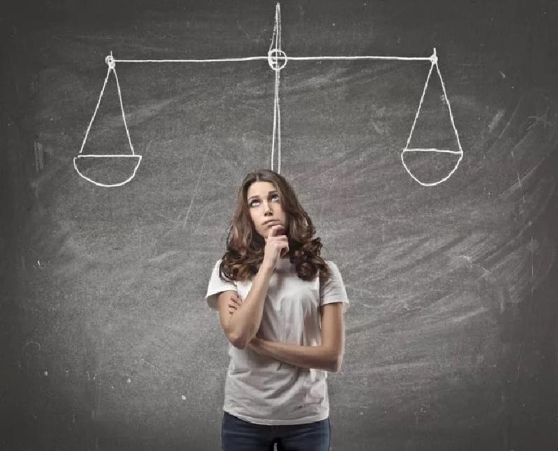 Вся жизнь состоит из череды решений, важных и не очень.  В статье я расскажу, как научиться быстро принимать сложные решения, приведу примеры и покажу несколько классических методик. Поехали!