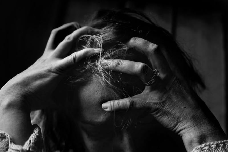 Терпеть, пока не кончатся силы — так живут люди со скрытым ПРЛ